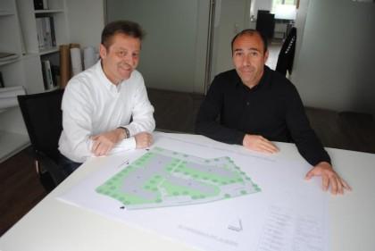 Foto: Frank Schmälzle Architekt Dirk Ellmer (links) und Projektentwickler Harald Giera wollen den Bauantrag für das Studentenwohnheim an der Jakobsstraße in diesem Monat einreichen. Sobald er genehmigt ist rücken die Bagger an.